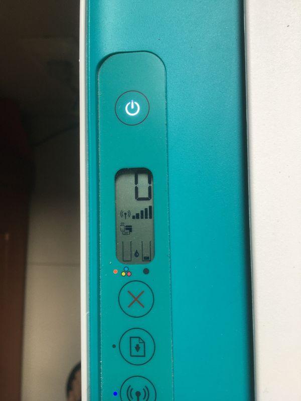 A luz do cartucho colorido fica piscando quando se coloca o cartucho colorido novo (664 XL)