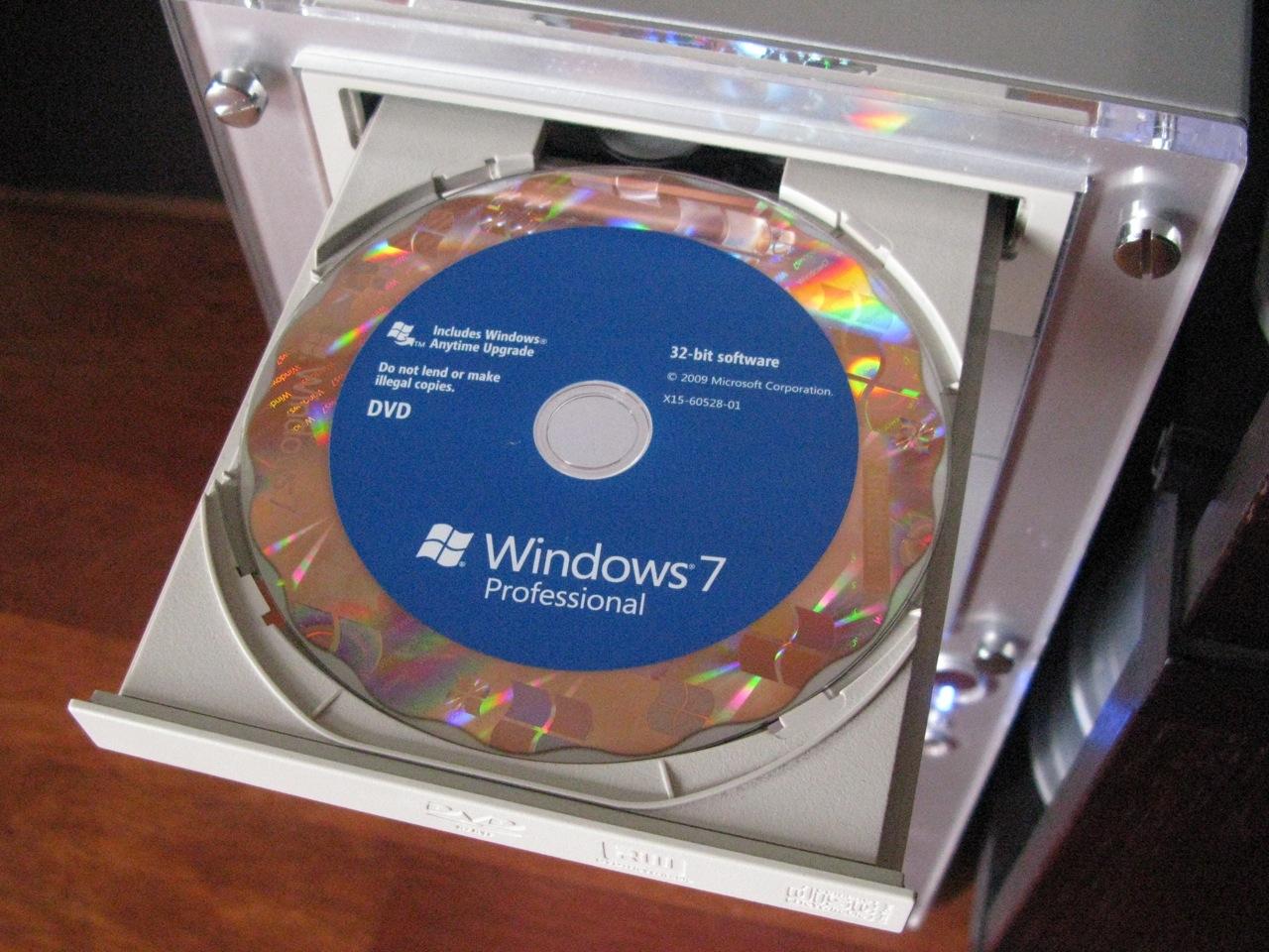 win7_install_dvd.jpg